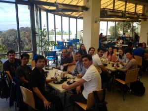 Hora do almoço na UCSD! Atenção para a vista do restaurante, um dia lindo no mar do Pacífico!